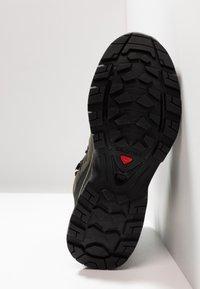 Salomon - QUEST 4D 3 GTX - Hiking shoes - grape leaf/peat/burnt olive - 4