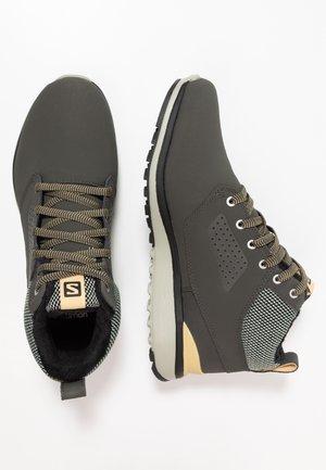 UTILITY FREEZE CS WP - Zimní obuv - peat/mineral gray/taos taupe
