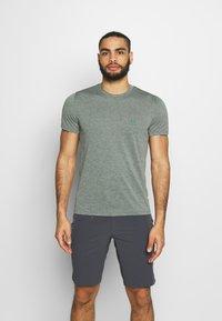 Salomon - EXPLORE TEE - Print T-shirt - balsam green - 0