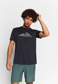 Salomon - AGILE GRAPHIC TEE  - T-shirt med print - black/heather - 0