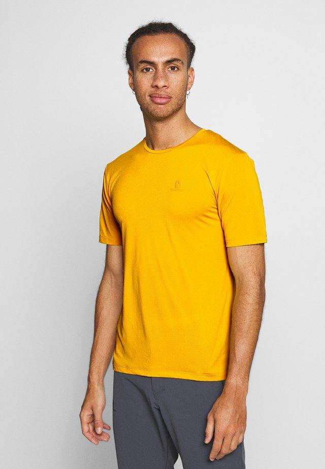 AGILE TRAINING TEE - Basic T-shirt - lemon curry