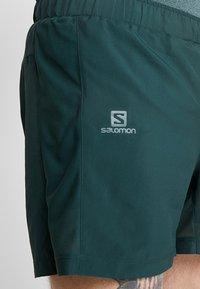 Salomon - AGILE SHORT  - Pantalón corto de deporte - green gables - 7