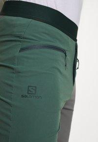 Salomon - WAYFARER PULL ON SHORT - Friluftsshorts - balsam green - 4