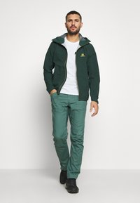 Salomon - OUTLINE - Hardshell jacket - green gables/lemon curry - 1