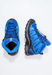 Salomon - X-ULTRA MID GTX - Outdoorschoenen - bleu/noir - 1
