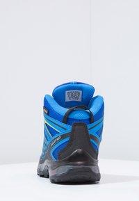 Salomon - X-ULTRA MID GTX - Outdoorschoenen - bleu/noir - 3
