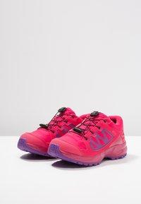 Salomon - XA ELEVATE CSWP  - Trail hardloopschoenen - virtual pink/cerise/purple magic - 3