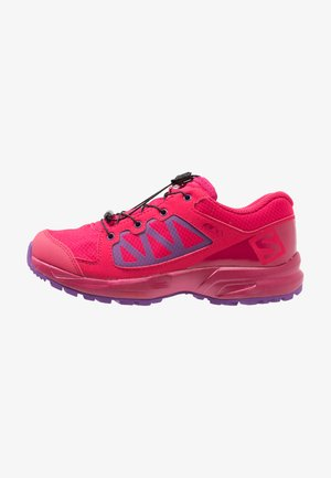 XA ELEVATE CSWP  - Trail running shoes - virtual pink/cerise/purple magic