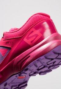 Salomon - XA ELEVATE CSWP  - Trail hardloopschoenen - virtual pink/cerise/purple magic - 2