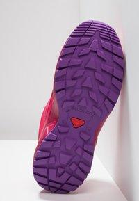 Salomon - XA ELEVATE CSWP  - Trail hardloopschoenen - virtual pink/cerise/purple magic - 5