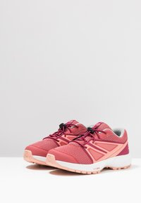 Salomon - SENSE - Outdoorschoenen - garnet rose/beet red/coral almond - 3