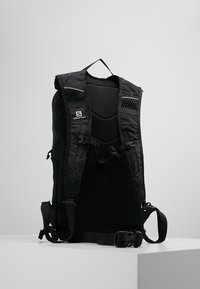 Salomon - TRAILBLAZER 10 - Sac de randonnée - black/black - 2