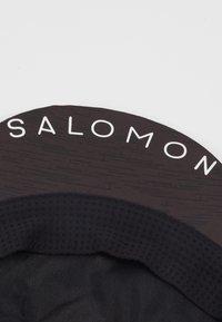 Salomon - KAPPE AIR LOGO CAP - Kšiltovka - black - 2