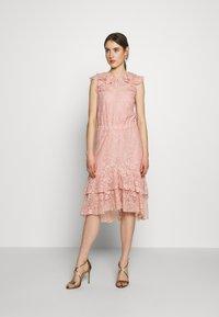 Sand Copenhagen - NIVI - Koktejlové šaty/ šaty na párty - pale pink - 1
