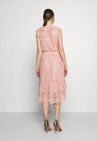 Sand Copenhagen - NIVI - Koktejlové šaty/ šaty na párty - pale pink - 2
