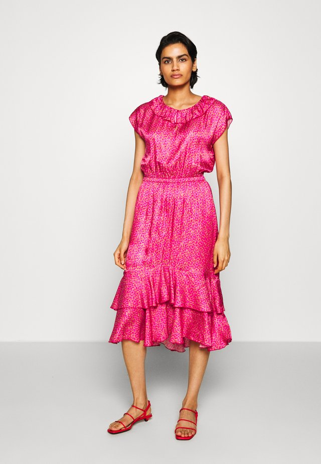 NIVI - Day dress - pink