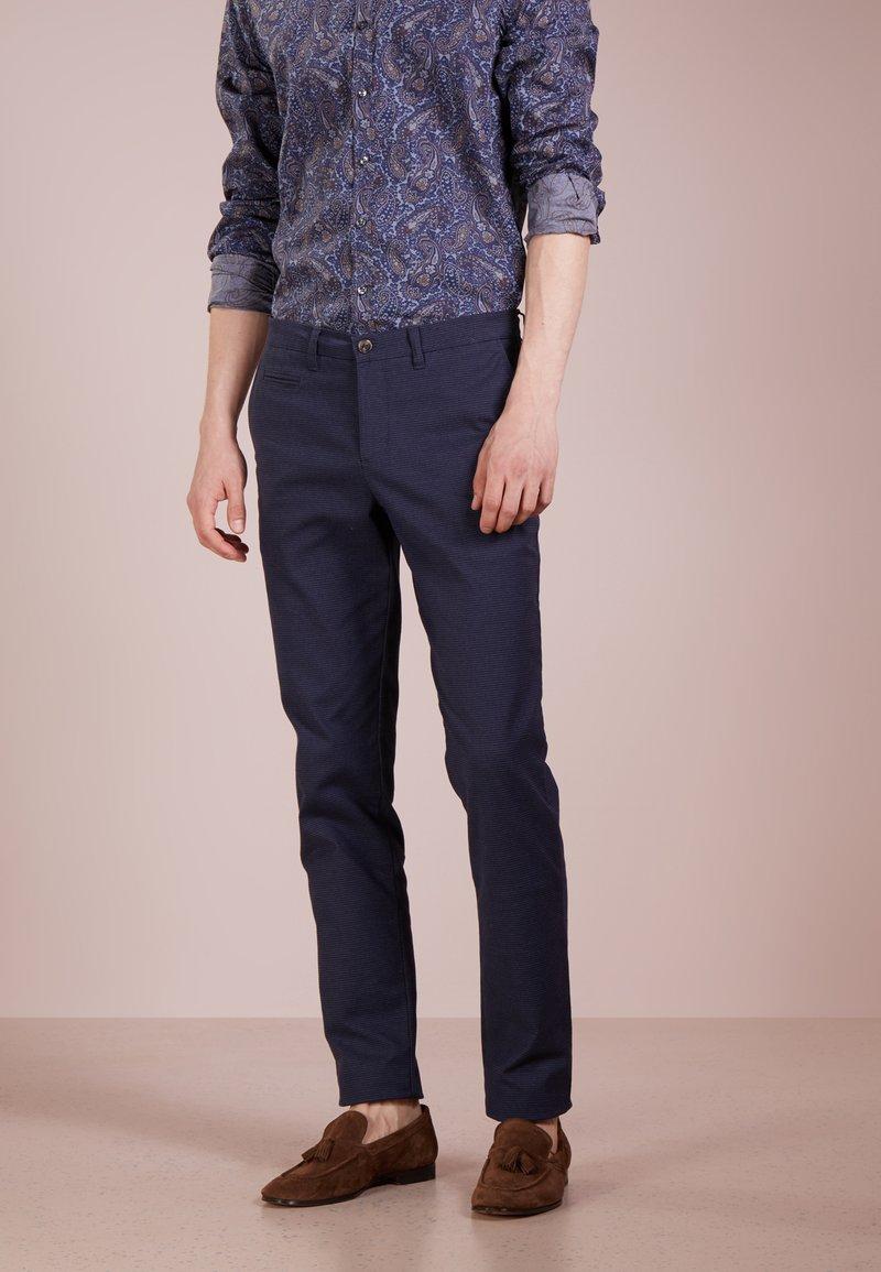 Sand Copenhagen - DOLAN - Trousers - dark blue