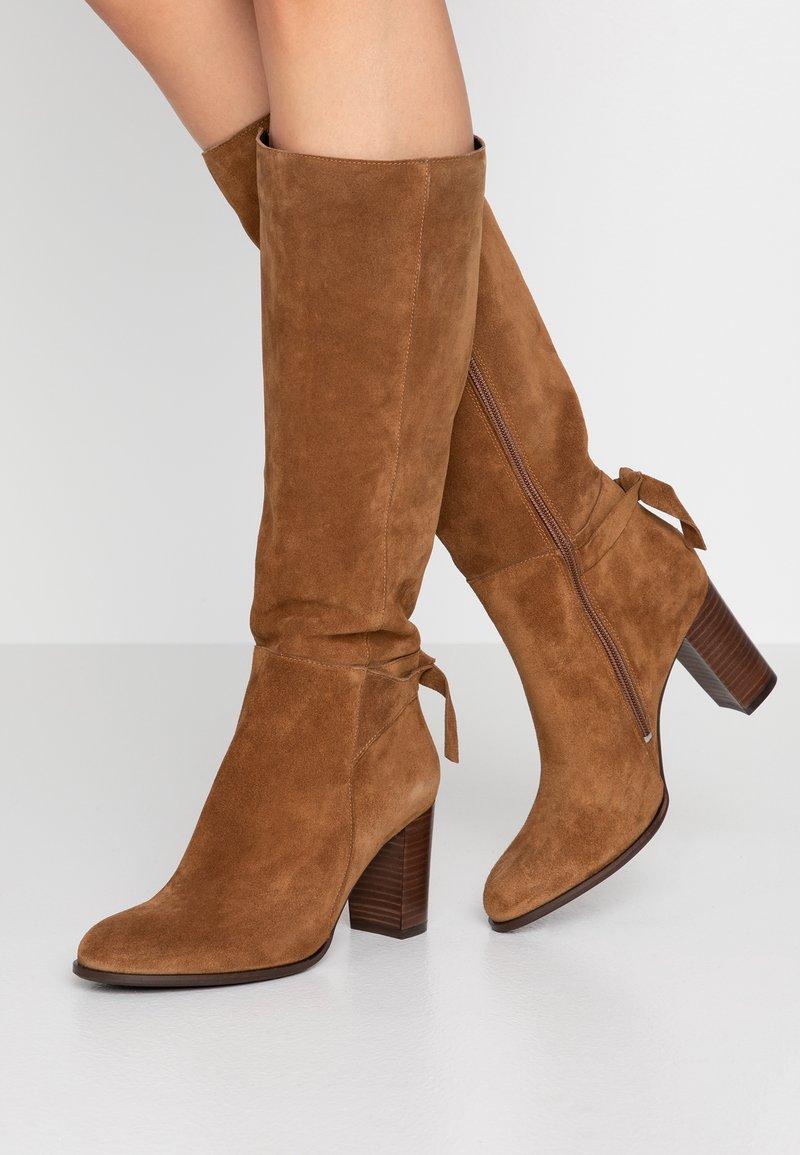 San Marina - AULIKATA - Boots - cannelle