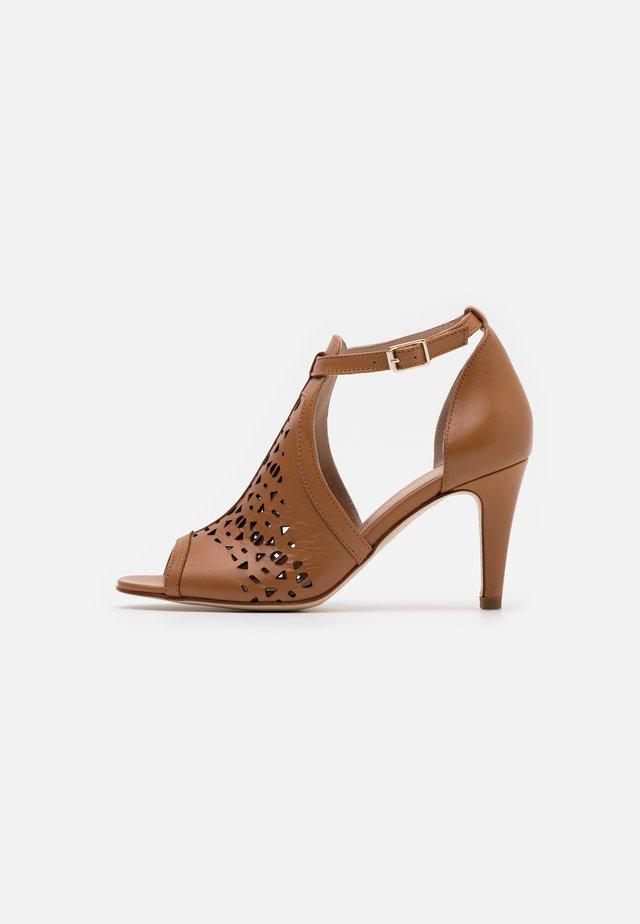 ALDA - Sandals - camel