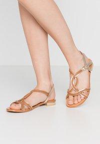 San Marina - IZIAVA - Sandals - camel/or - 0