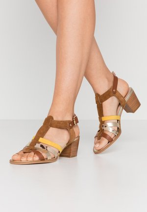 ALISTELA - Sandals - camel/multicolor