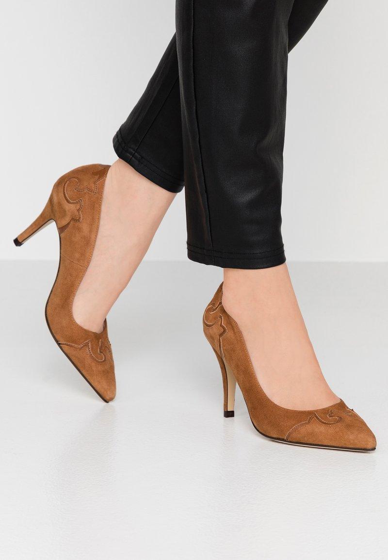 San Marina - AGEODA - High heels - camel