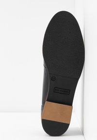 San Marina - MAIRESSE - Slippers - black - 6