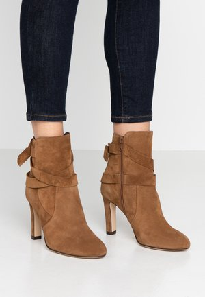 AGNATA - Kotníková obuv na vysokém podpatku - cannelle