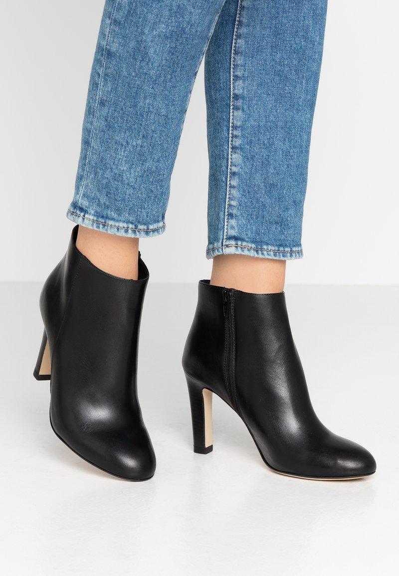 San Marina - AGNELA - High Heel Stiefelette - black