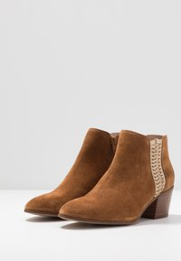 San Marina - ADELLA - Ankle boots - camel/or - 4