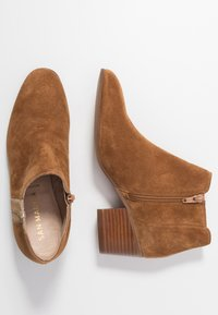 San Marina - ADELLA - Ankle boots - camel/or - 3