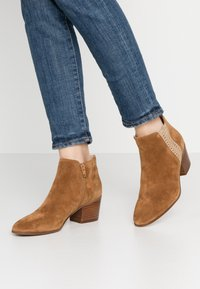 San Marina - ADELLA - Ankle boots - camel/or - 0