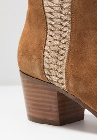 San Marina - ADELLA - Ankle boots - camel/or - 2