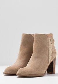 San Marina - ANDITA - Ankle boots - sable/or - 4
