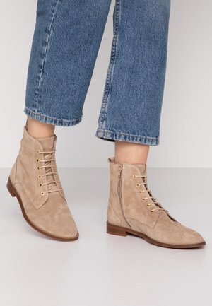 MAKINELA - Lace-up ankle boots - sable