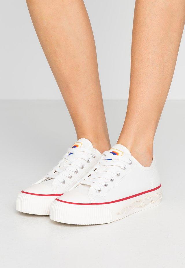 Sneakers - blanc