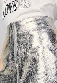 sandro - ASTAR - Spódnica trapezowa - silver - 4