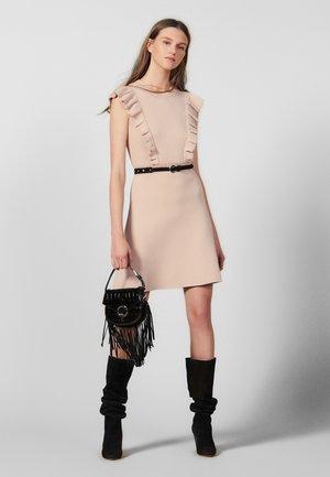 TILLA - Stickad klänning - nude