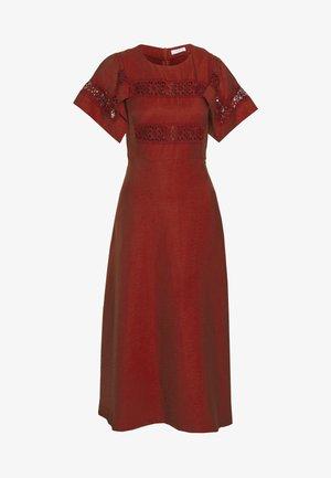 Vapaa-ajan mekko - terracotta