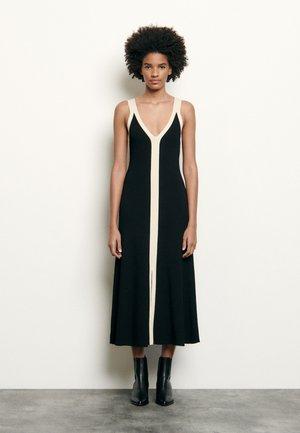 NATEN - Stickad klänning - noir
