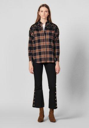 BEANS - Button-down blouse - camel/black