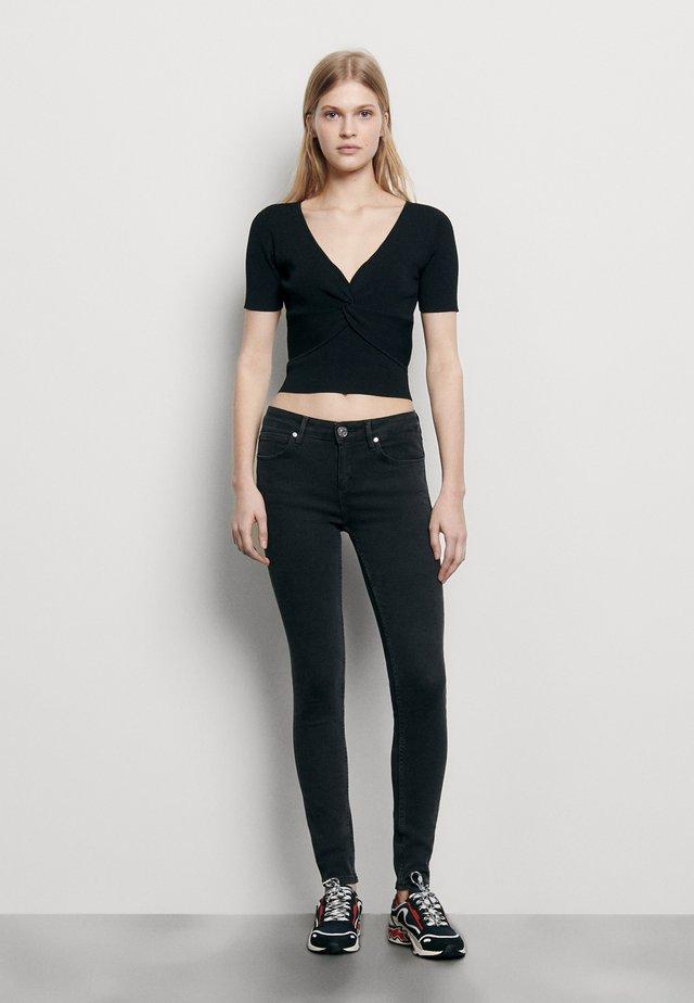 SERENA - T-shirts print - noir