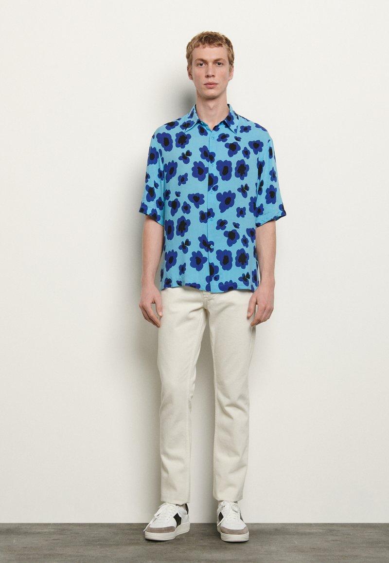 sandro - POPPIES - Skjorter - bleu