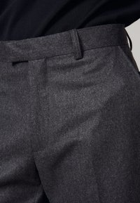 sandro - Spodnie materiałowe - mocked grey - 4