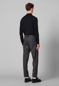 sandro - Spodnie materiałowe - mocked grey - 2