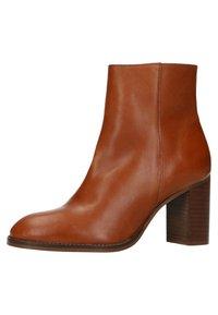 sacha - MIT ABSATZ - Classic ankle boots - cognac - 2