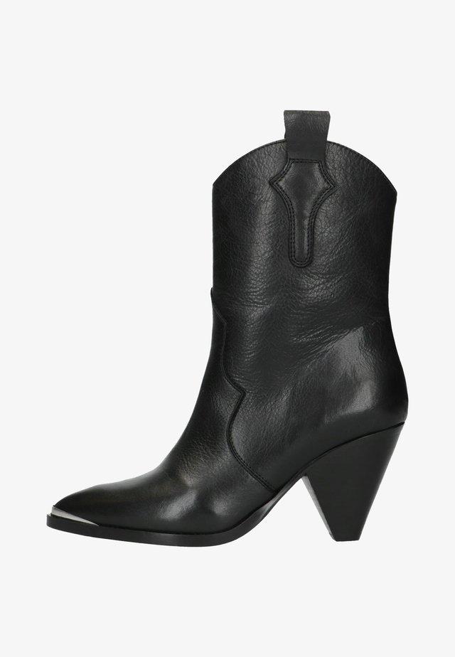 MIT TRICHTERABSATZ - Cowboy/biker ankle boot - black