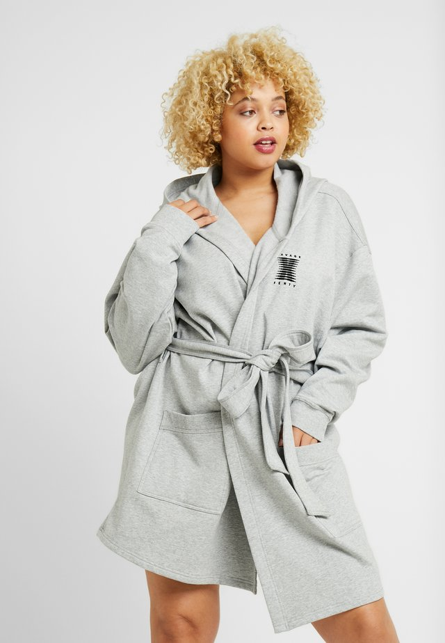 PLUS SHORT ROBE - Bademantel - heather grey