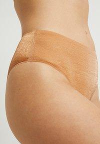 SAVAGE X FENTY - HIGH WAIST - Underkläder - gold - 4