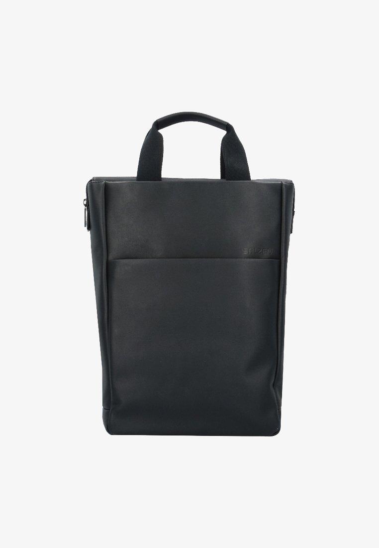 Salzen - Tagesrucksack - total black
